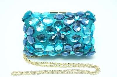CLUTCH DE PIEDRAS LOVE MOSCHINO