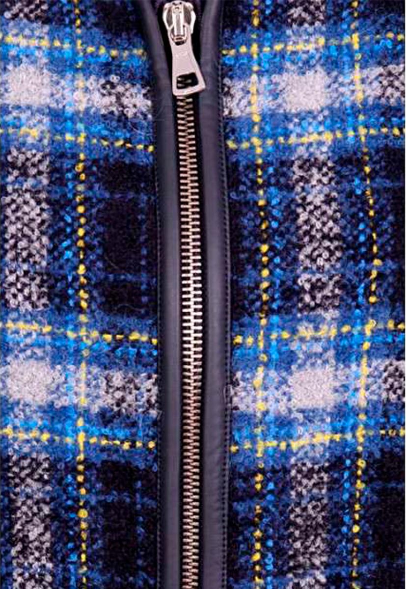 Marisa Martínez <h1>SÓLO TALLA S</h1>   Abrigo de lana a cuadros con mangas en ecopiel.