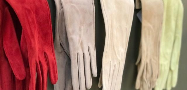 Invitadas perfectas con guantes